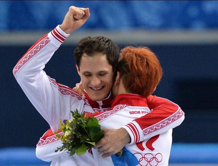 14 Второе  место в шорт-треке на дистанции 1500 м занял россиянин Владимир  Григорьев