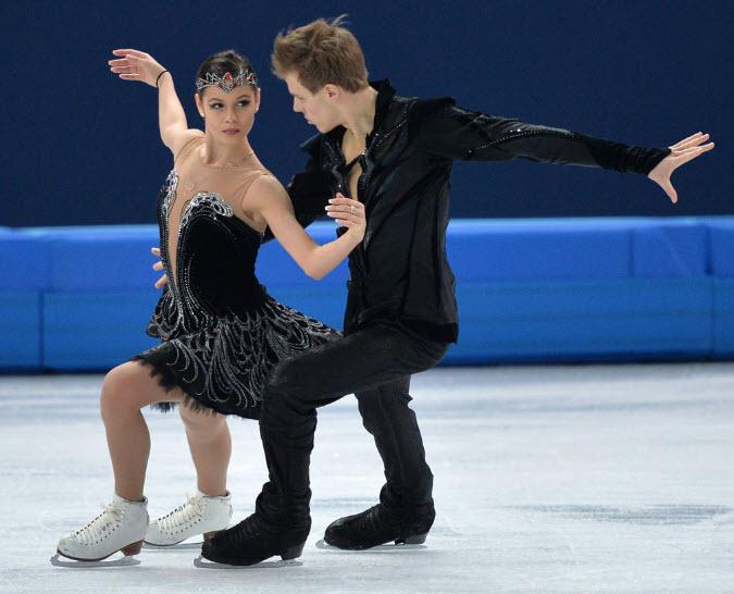 18 Фигуристы Елена Ильиных и Никита Кацалапов - бронзовые призеры в  танцах на льду.